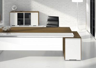 biurka_wsparte_na_komodzie_11