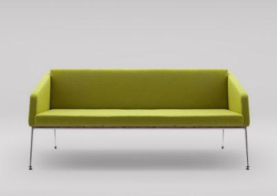 Sofa FIN 3 z podłokietnikami_podstawa metalowa