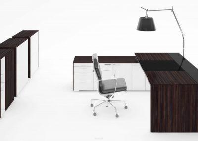 biurka_wsparte_na_komodzie_01